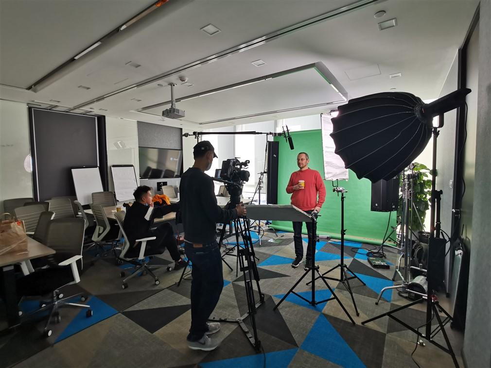shanghai cameraman, green screen interview shoot,